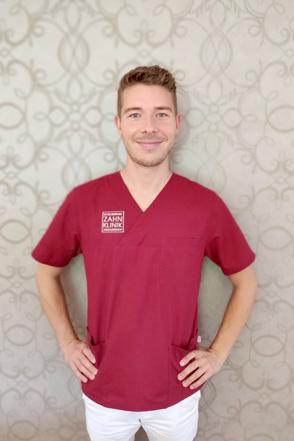 Dr. Lennart Riemer